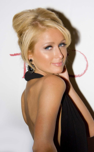 paris-hilton-black-668-10